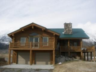 HENRY'S LAKE FRONT CABIN ~ 4 BEDROOMS - Island Park vacation rentals