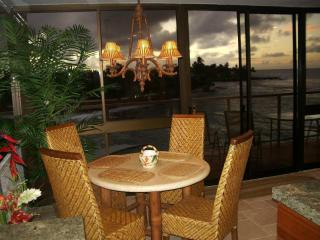 LUXURIOUS OCEAN FRONT PENTHOUSE 407 @ Kuhio Shores - Kauai vacation rentals