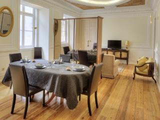 Apartment in Lisbon 200 - Chiado - managed by travelingtolisbon - Lisbon vacation rentals