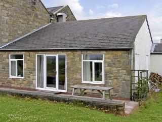 DOVE COTTAGE , pet friendly, with a garden in Acklington, Ref 4206 - Northumberland vacation rentals