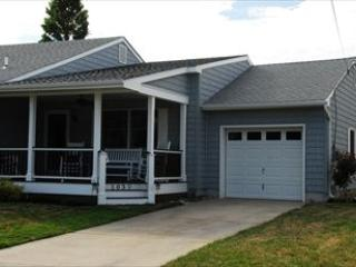 Heavenly 3 Bedroom-2 Bathroom House in Cape May (7815) - Image 1 - Cape May - rentals