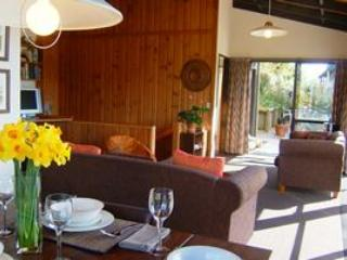 Dining and Lounge - @94 On Springfield - Rotorua - rentals