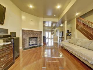 Modern Luxury,Fireplace,Hdtv/Rm,Wii,Great Location - District of Columbia vacation rentals