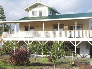 Exceptional View of the Volcano and Beyond - Pahoa vacation rentals