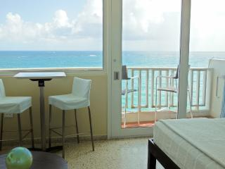 Relaxing & Cozy Beach Front Studio w/ Ocean Views - San Juan vacation rentals