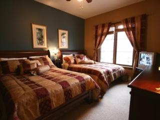 LesManoirs 116-3:  Amazing 1 Bedroom Ski-Out Condo - Mont Tremblant vacation rentals