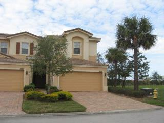 1st Choice -  3-BR getaway in Fort Myers - Fort Myers vacation rentals