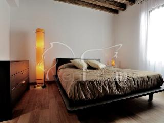 The Lion's House apartment 2 - Venice vacation rentals