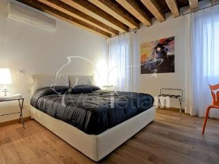 The Lion's House apartment 1 - Venice vacation rentals