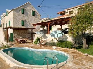 Traditional Dalmatian Villa with Private Pool - Sumartin vacation rentals