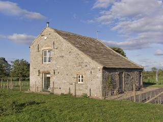 BLACK BARN, pet friendly, luxury holiday cottage, with open fire in Boldron , Ref 4236 - County Durham vacation rentals