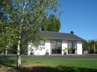 Birchgrove - Self contained Cottage - Whangarei vacation rentals