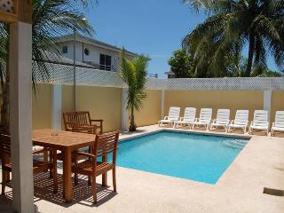 Brownstone's Seabeach - Seaside Chalet - Nassau vacation rentals