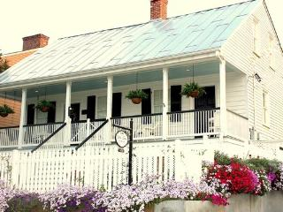 White Turpin House - Historic Vacation Retreat - Mississippi vacation rentals