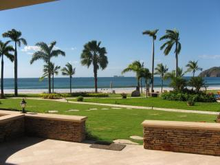 Flamingo Beachfront Spectacular Condo - Book Now! - Playa Flamingo vacation rentals