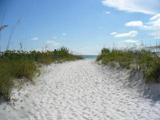 Updated Siesta Key Home located on water with pool - Siesta Key vacation rentals