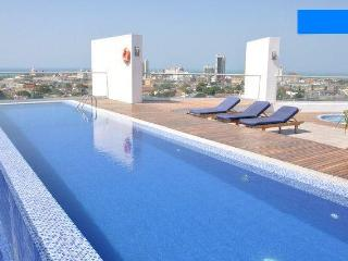 Stunning studio with free airport pick-up! - Cartagena vacation rentals