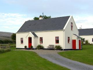 BELLHARBOUR COTTAGE, pet friendly, character holiday cottage, with a garden in Bellharbour, County Clare, Ref 4289 - County Clare vacation rentals