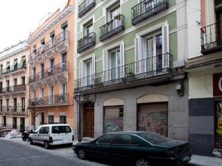 Madrid Budget Apartment Olivar close to Museums - World vacation rentals
