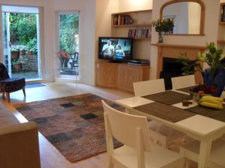 Primrose Hill Fab 3 bed Garden Apartment - London vacation rentals