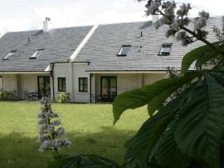 Linlithgow Holiday Cottages - Stuart Cottage - Linlithgow vacation rentals