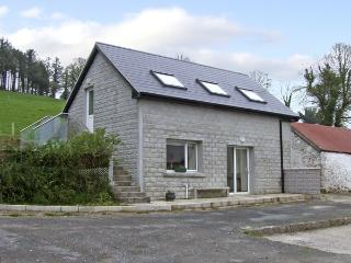 GAIRHA COTTAGE, pet friendly, country holiday cottage, with a garden in Ballyduff, County Waterford, Ref 4034 - County Waterford vacation rentals
