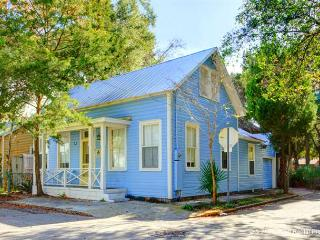 Blue Bell Cottage in downtown historic St Augustine Florida - Florida North Atlantic Coast vacation rentals