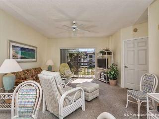 Ocean Village Q23, 2nd floor, Elevator, 2 pools, HDTV, Wifi - Saint Augustine vacation rentals