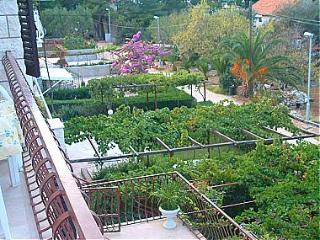 01601MIRC  A2(7) - Mirca - Supetar vacation rentals