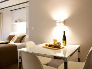 Born Down Town 2 ** Cocoon Charming (BARCELONA) - Barcelona vacation rentals