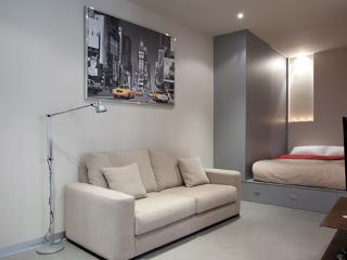 Gothic Studio 4 ** Cocoon Modern  (BARCELONA) - Catalonia vacation rentals