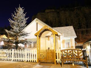 Bullock Cottage - First Deadwood Cottages - Black Hills and Badlands vacation rentals