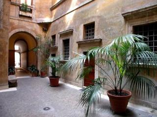 Charming apartment near Piazza Navona - Rome vacation rentals