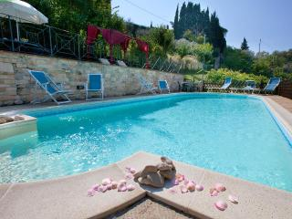 Luxury Villa cottages rental 15min.dowtown Perugia - Perugia vacation rentals