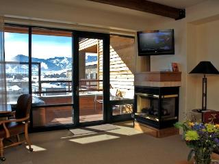 Beautiful Condo in the Newpark Hotel - Park City vacation rentals