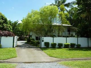 Family Home for 15, Pool, close to city & shops - Cairns vacation rentals