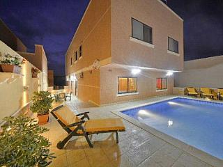 4 bedroom Villa  Apartment with pool near beach - Island of Malta vacation rentals
