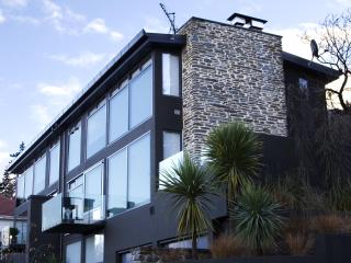Forty Two - Luxury House in Central Queenstown - Queenstown vacation rentals