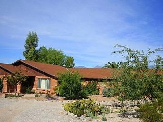3 bedroom 2 bath plus 1 bedroom Casita with a Pool and Mountain Views - Tucson vacation rentals