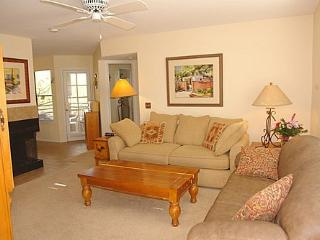 Two Bedroom Upstairs Condo at Canyon View with King Bed - Tucson vacation rentals
