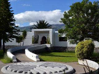 A stylish dream of light & space near Otavalo - Otavalo vacation rentals
