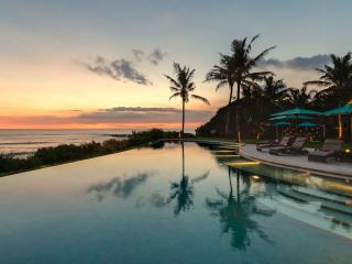 Beach Front 6bdrm Luxury Villa Jagaditha Canggu Bali - Tanah Lot vacation rentals