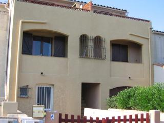 Holiday Home 'LeSable' on Mediterranean beach - Canet-en-Roussillon vacation rentals