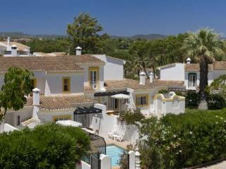 Four Seasons Fairways 2 bed + Jacuzzi (Hillside Apartment) - Quinta do Lago vacation rentals