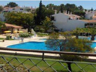 Apartment accommodates 4 guests in comfort: PA2-19 - Quinta do Lago vacation rentals