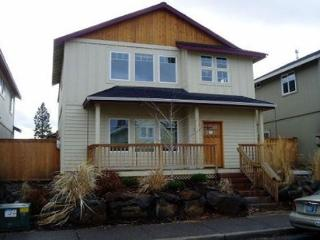 Home comfort in town! - Bend vacation rentals