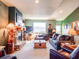 4 BR/3 BA Inviting lodge style townhouse, amazing views,  sleeps 11 - Silverthorne vacation rentals