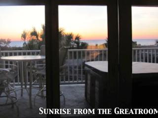 Luxury Ocean Front Condo-Jacuzzi, Deck, Great View - Georgia Coast vacation rentals
