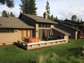 Hot Tub Min 2 Mt Bach! Pet Friendly - Bend vacation rentals