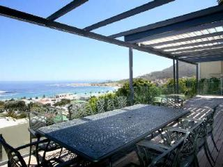 Multi-level Panacea with ocean views, sleek décor, jacuzzi, near beach - Camps Bay vacation rentals